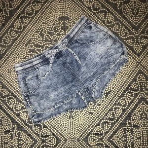 Acid wash short shorts